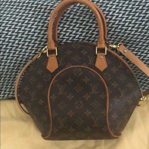 Louis Vuitton . Good condition.